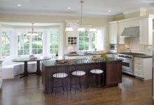 Custom cabinets let you create your personalized kitchen seating layout
